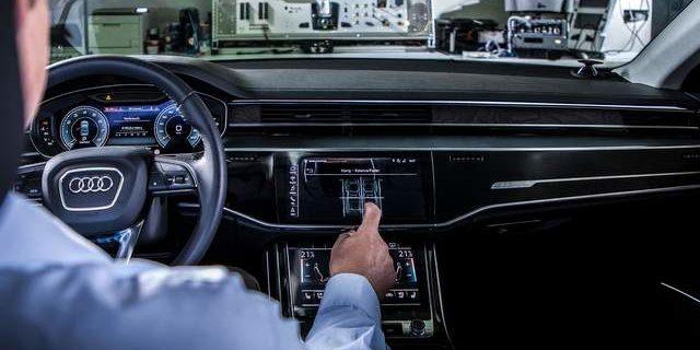 Adaptive cruise control Audi