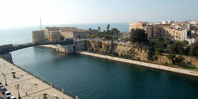 Taranto canale navigabile